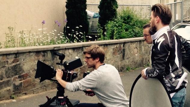 Kameramann Kai Schmitz beim AWO Dreh Wiesbaden mit der Kamera Blackmagic Production