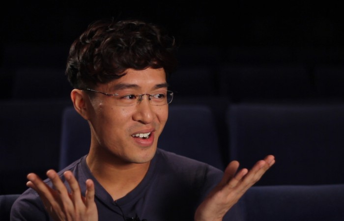 Im Malsehn Kino in Frankfurt am Main habe ich für das Crowdfunding-Video des Nippon Connection e.V. Interviews gedreht. Auf diesem Bild ist ein Teammitglied in einer Interviewsituation zu sehen.